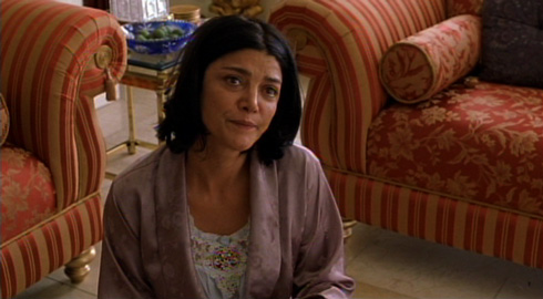 In a role that earned her an Oscar nomination for Best Supporting Actress (the first nomination ever for an Iranian), Shohreh Aghdashloo portrays Behrani's wife Nadi.