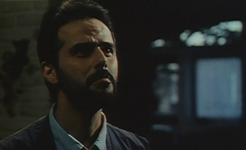 Reza (Ali Mosafa) has a difficult time convincing Leila that he does not want a child, despite what his mother says.